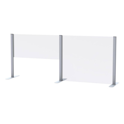 Panneaux de plexiglass de différentes grandeurs côte à côte
